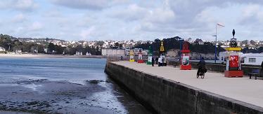 Exposition sur les phares de Bretagne au port de Morgat